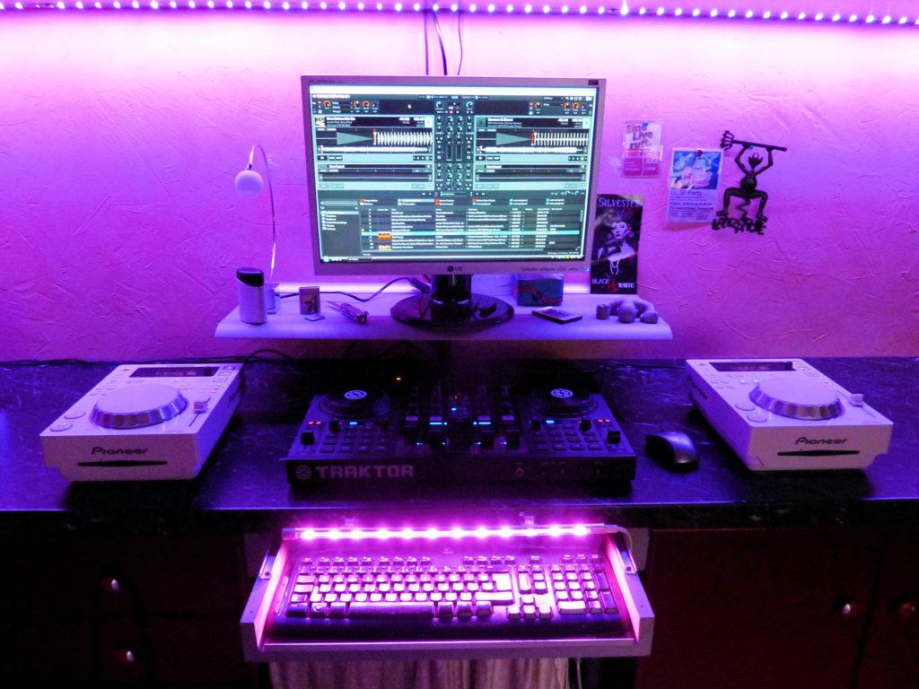 DJ Piet Workstation-Home